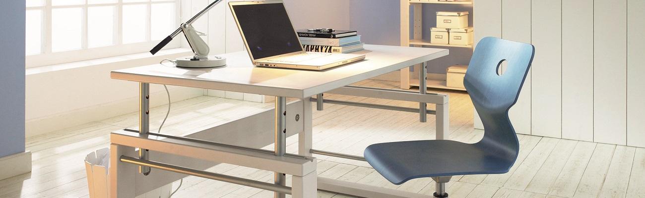 Secretárias, Mesas e Cadeiras