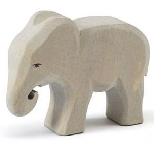 Elefante Bebé a Comer Ostheimer